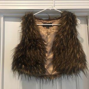Cropped brown faux fur vest